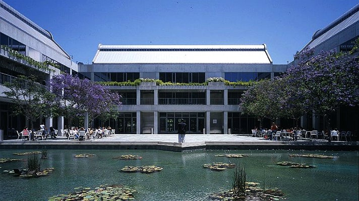 Taper Courtyard at Skirball Cultural Center